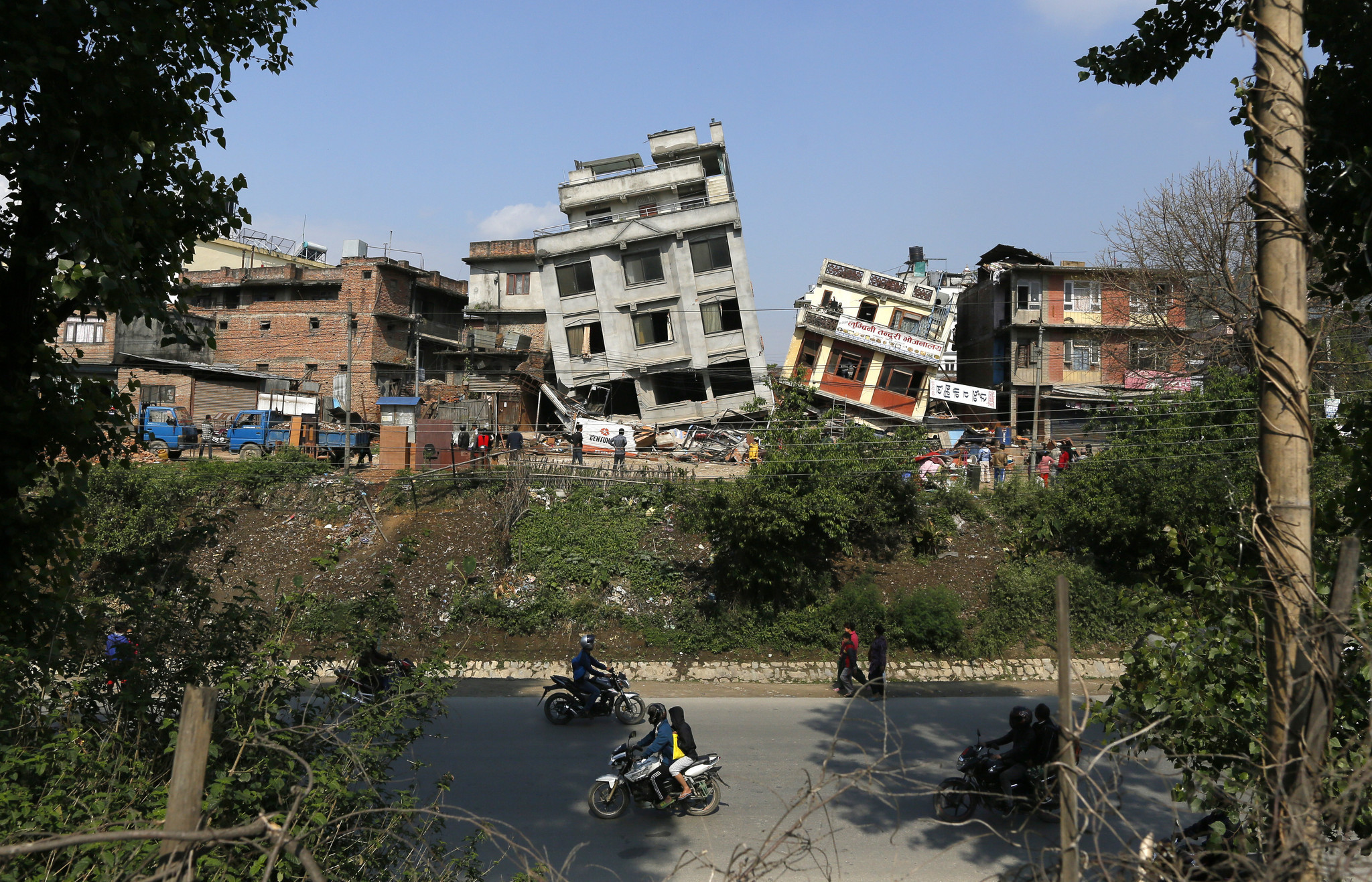 Nepal quake survivors struggle with shortages as death toll tops 4,200