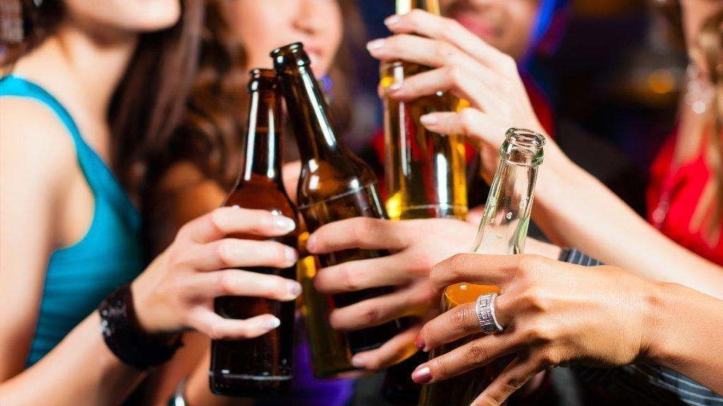 Youthful binge-drinking changes the brain -- for the worse -- into adulthood