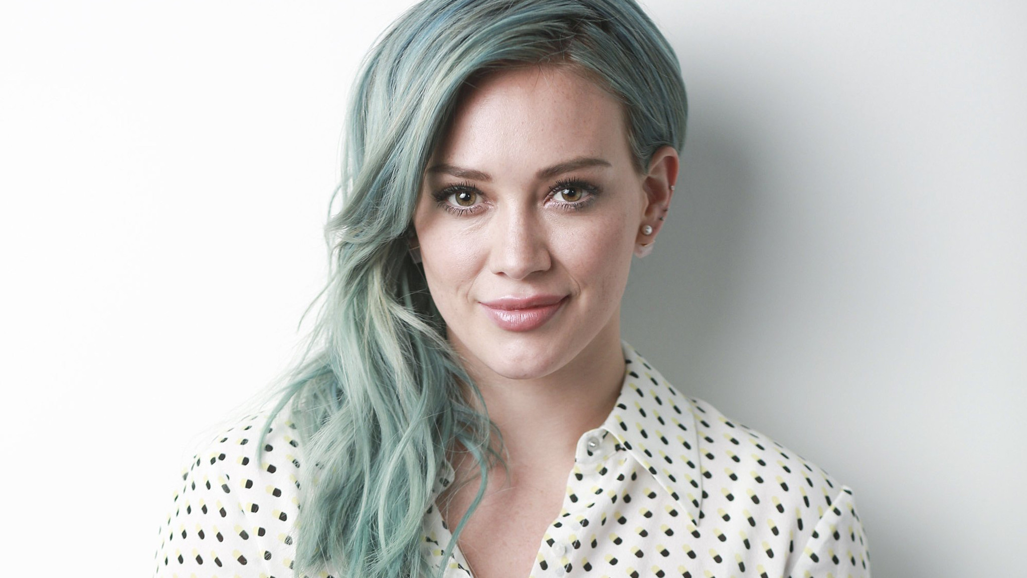Hilary Duff is talking to 'about nine guys' on 'wildly addicting ... Hilary Duff