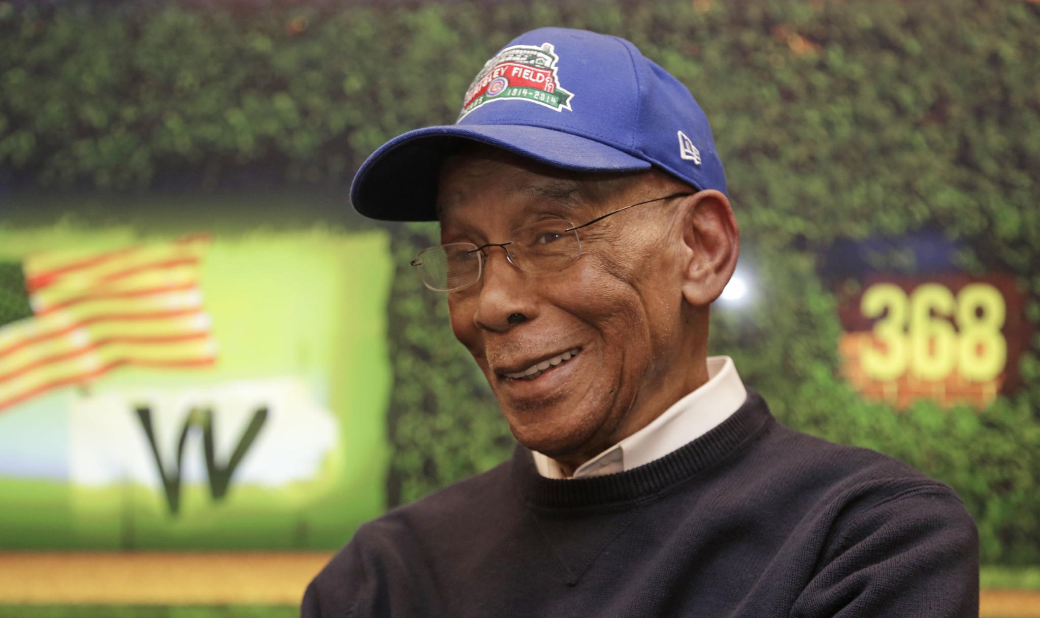 Ernie Banks, legendary Cubs player, dead at 83