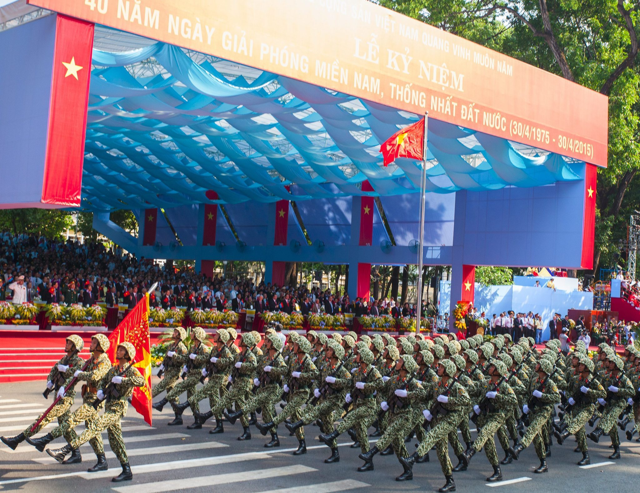 the world after the vietnam war 2018-8-19 the role of the united states in the vietnam war began after world war ii and escalated into full commitment during the vietnam war from 1955 to 1975 the us involvement in south vietnam stemmed from 20 long.