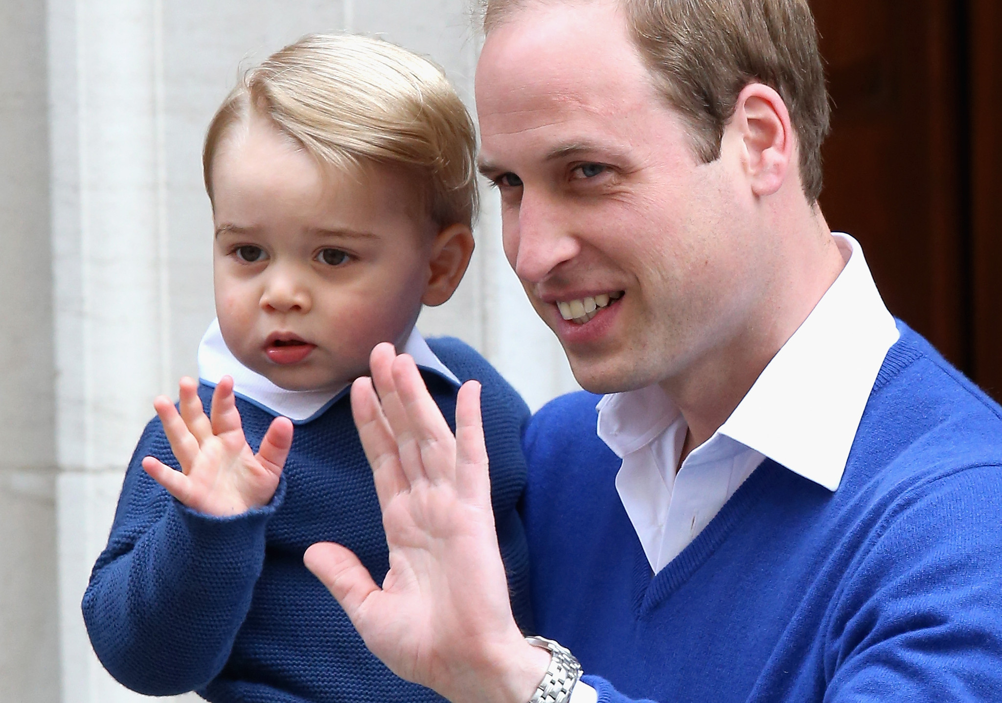 prince william brings son george to meet new baby chicago tribune. Black Bedroom Furniture Sets. Home Design Ideas
