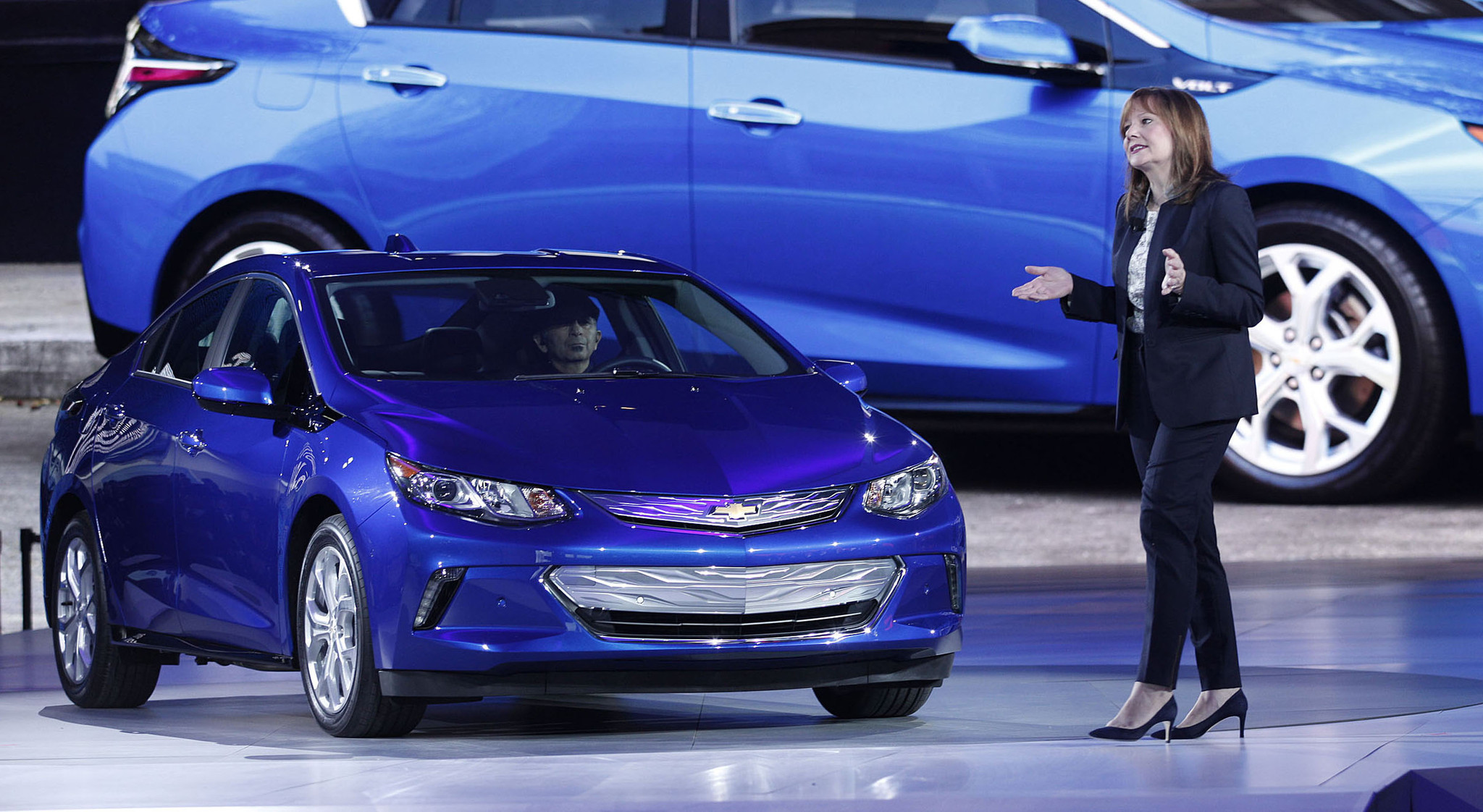 chevy cuts price on 2016 volt plug in hybrid chicago tribune. Black Bedroom Furniture Sets. Home Design Ideas
