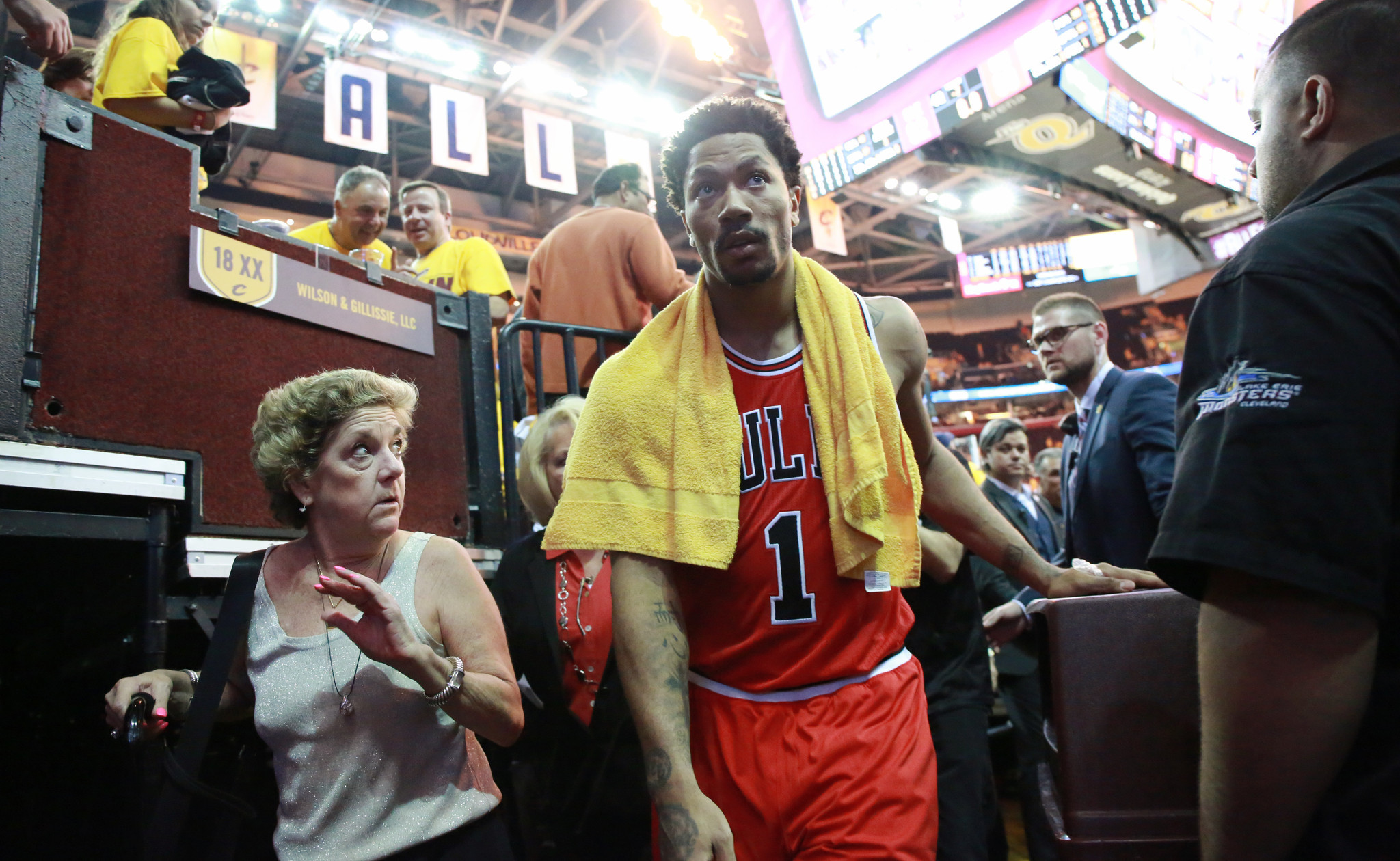 Bulls, Rose show sharper focus than Cavaliers, James in Game 1