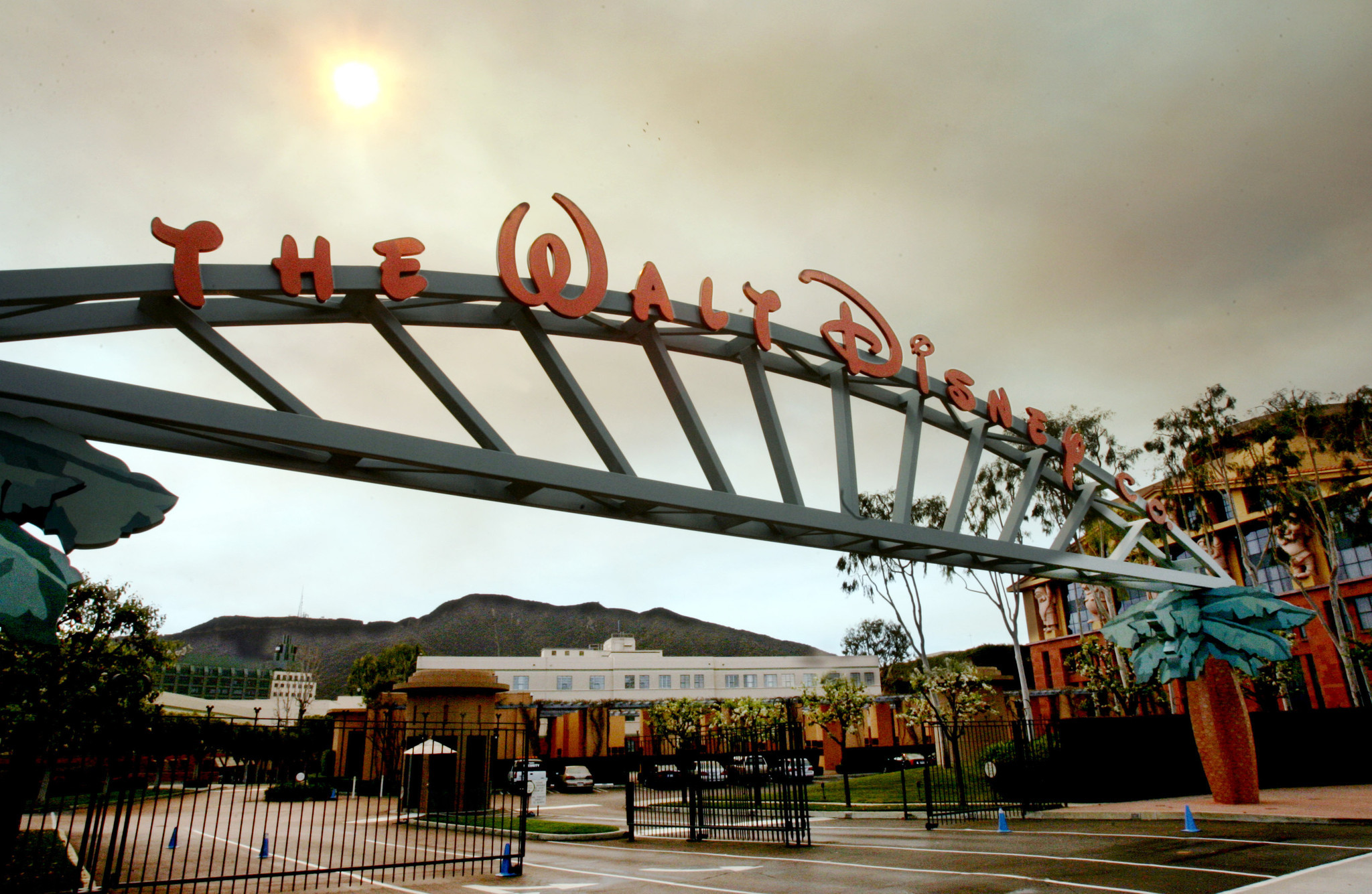 Disney beats analysts' estimates with 10% increase in profit in second quarter