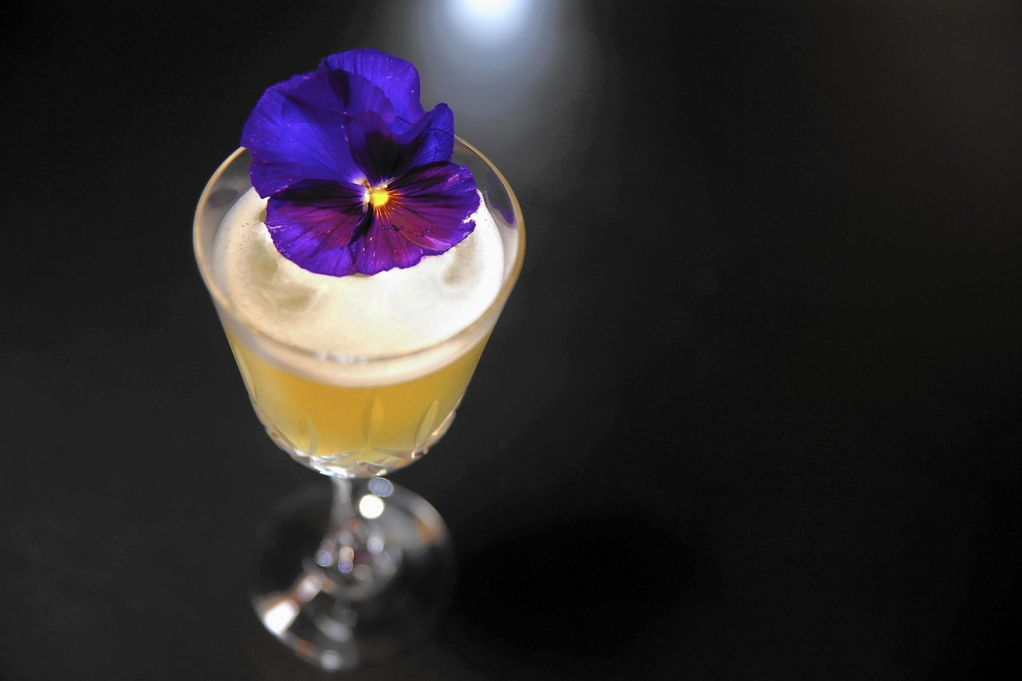 Floral cocktails spring up on cocktail menus chicago tribune izmirmasajfo