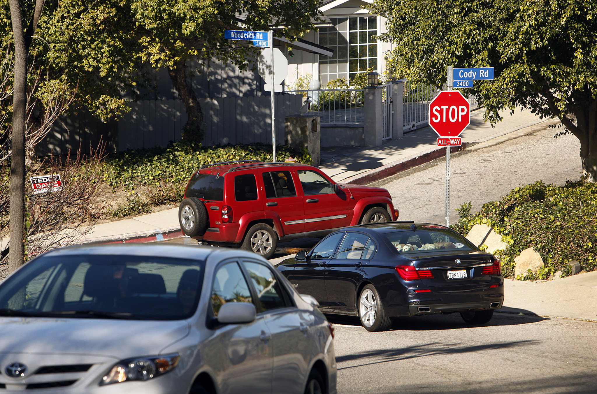 How An App Destroyed Their Streets: Readers Count The Waze La Times