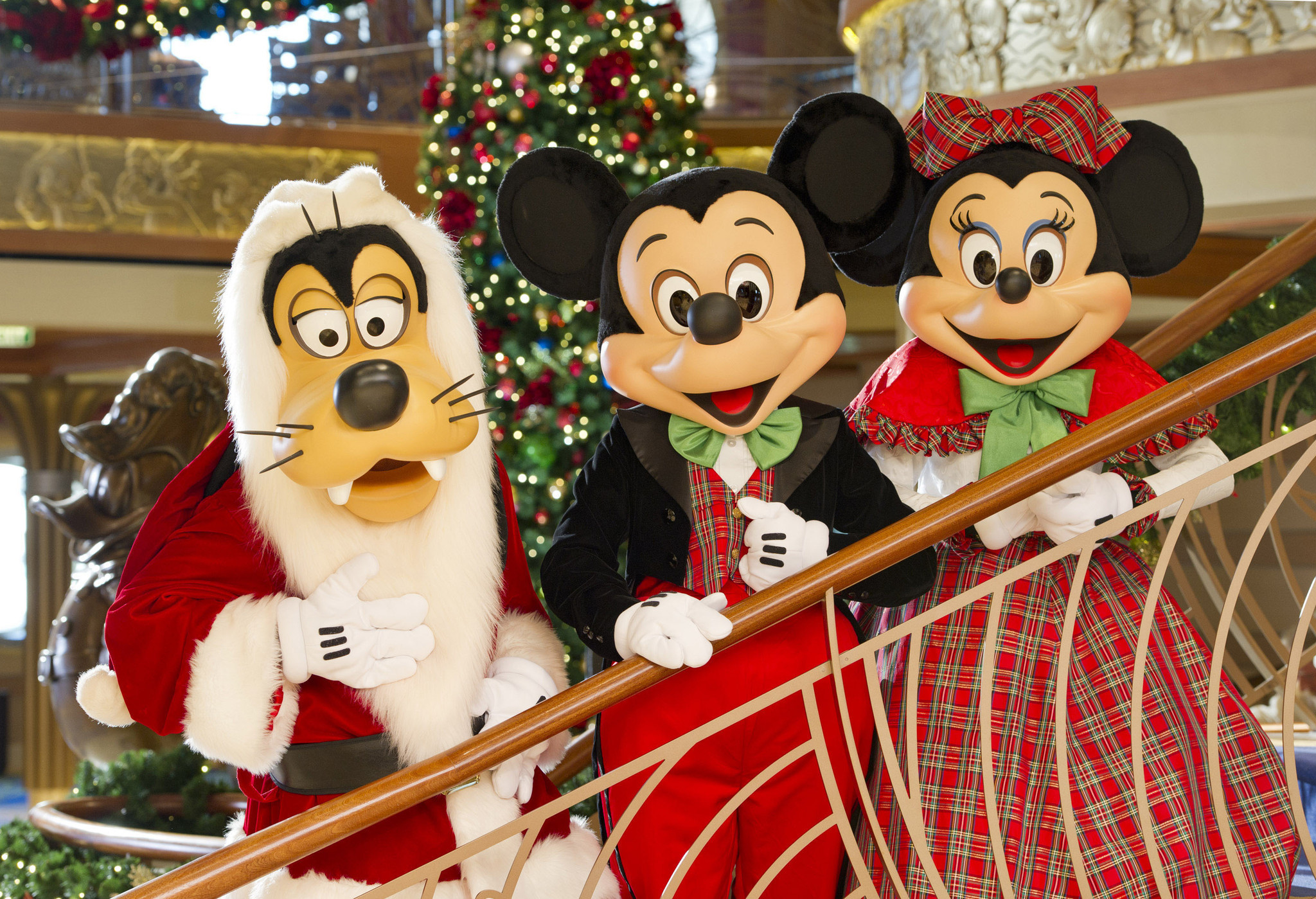disney cruise line very merrytime cruises pictures orlando sentinel - Disney Christmas Cruise