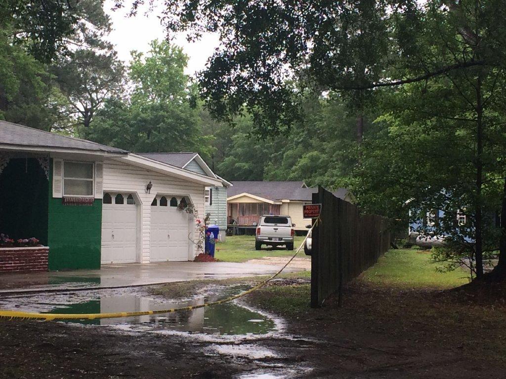 South carolina sheriff s deputy shoots homeowner who was victim of break in la times