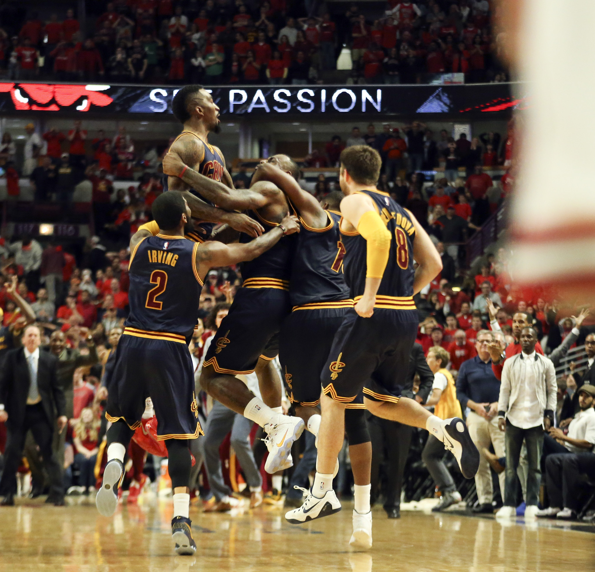 Buzzer-beaters by Bulls, Cavaliers deliver big TV ratings - Chicago Tribune