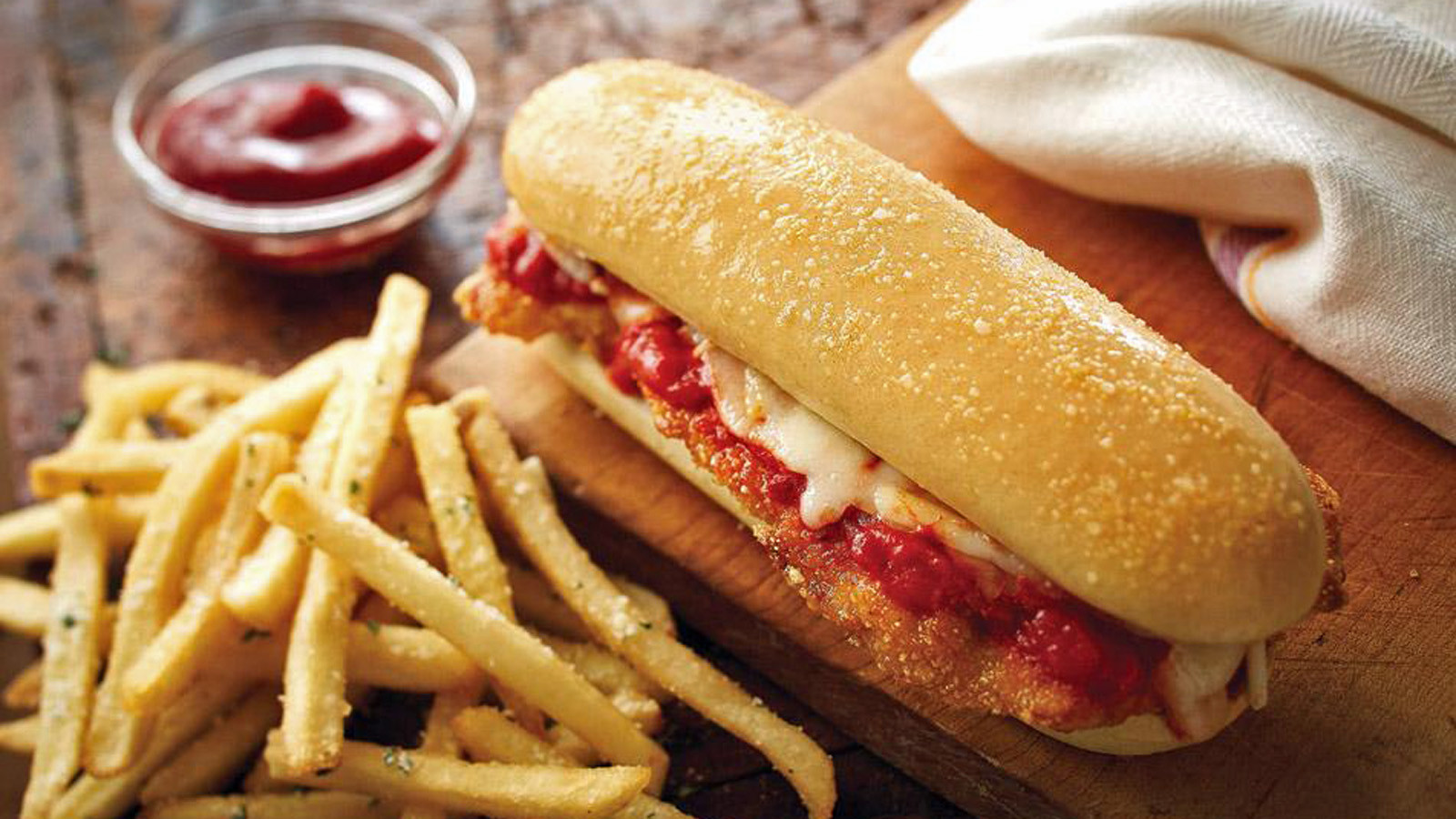 Olive garden to sell breadstick sandwiches because well why not chicago tribune for Call the olive garden