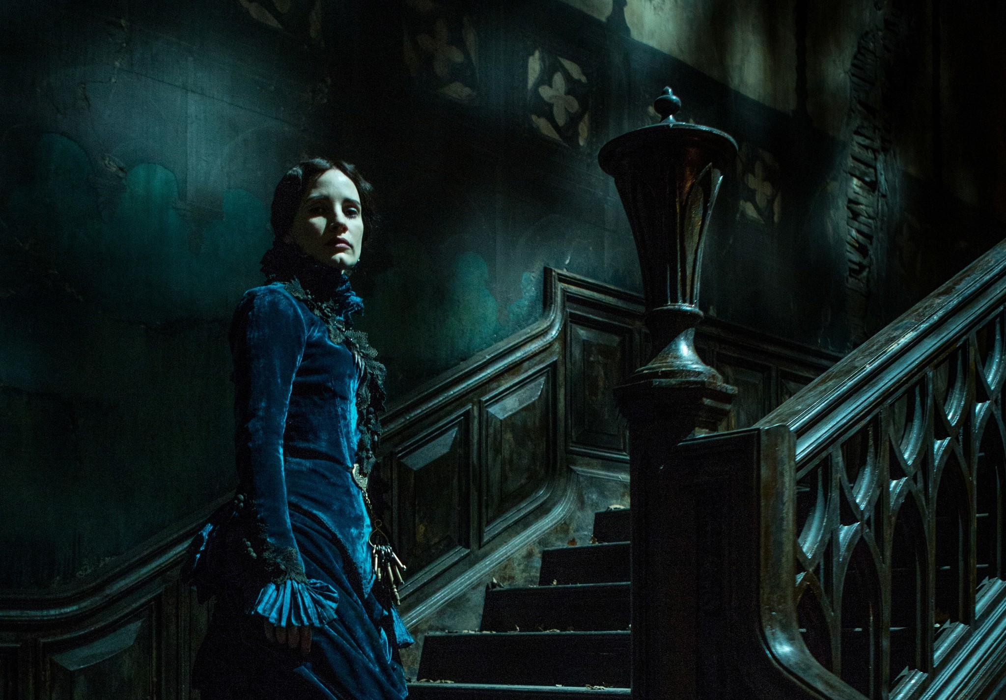 Crimson Peak 'Crimson Peak' trailer...