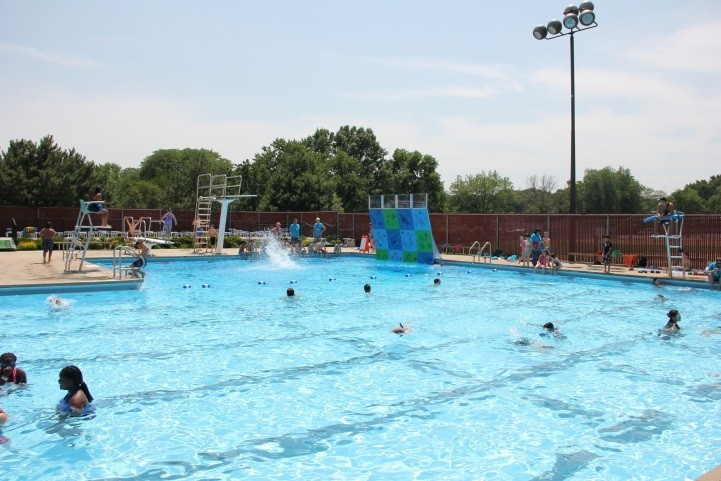 Have A Splashtastic Summer At Schaumburg Park District Pools Chicago Tribune