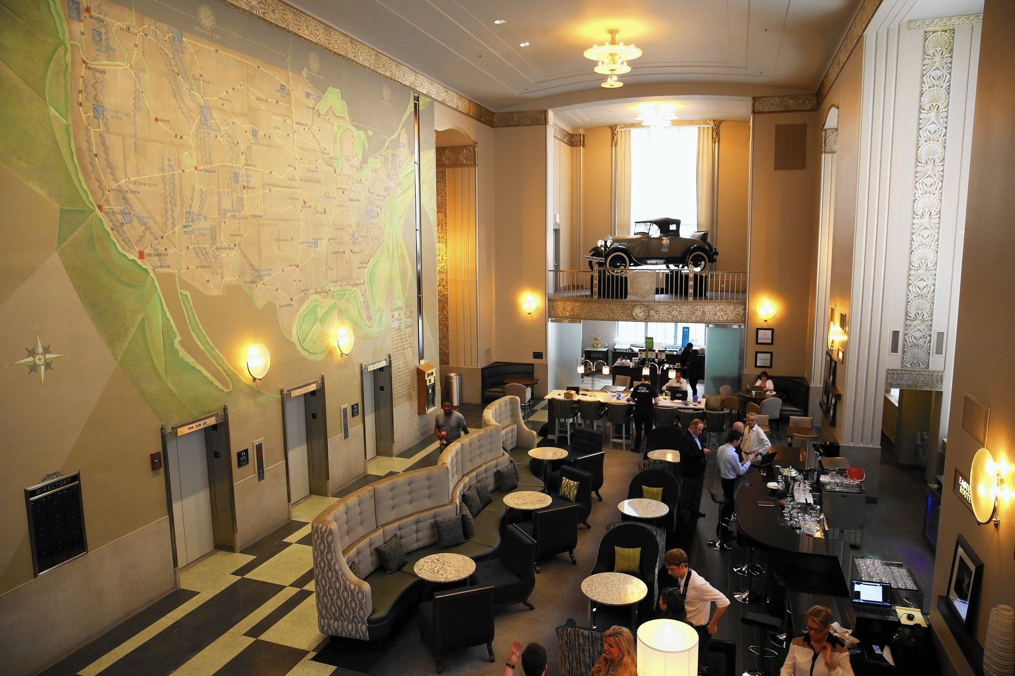 Chicago Motor Club Building Rehab Gets Glorious U S A Map Mural Chicago Tribune