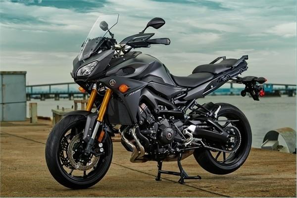 Yamaha Super Tenere Review >> First Ride: Yamaha FJ-09, asphalt Adventure bike - LA Times