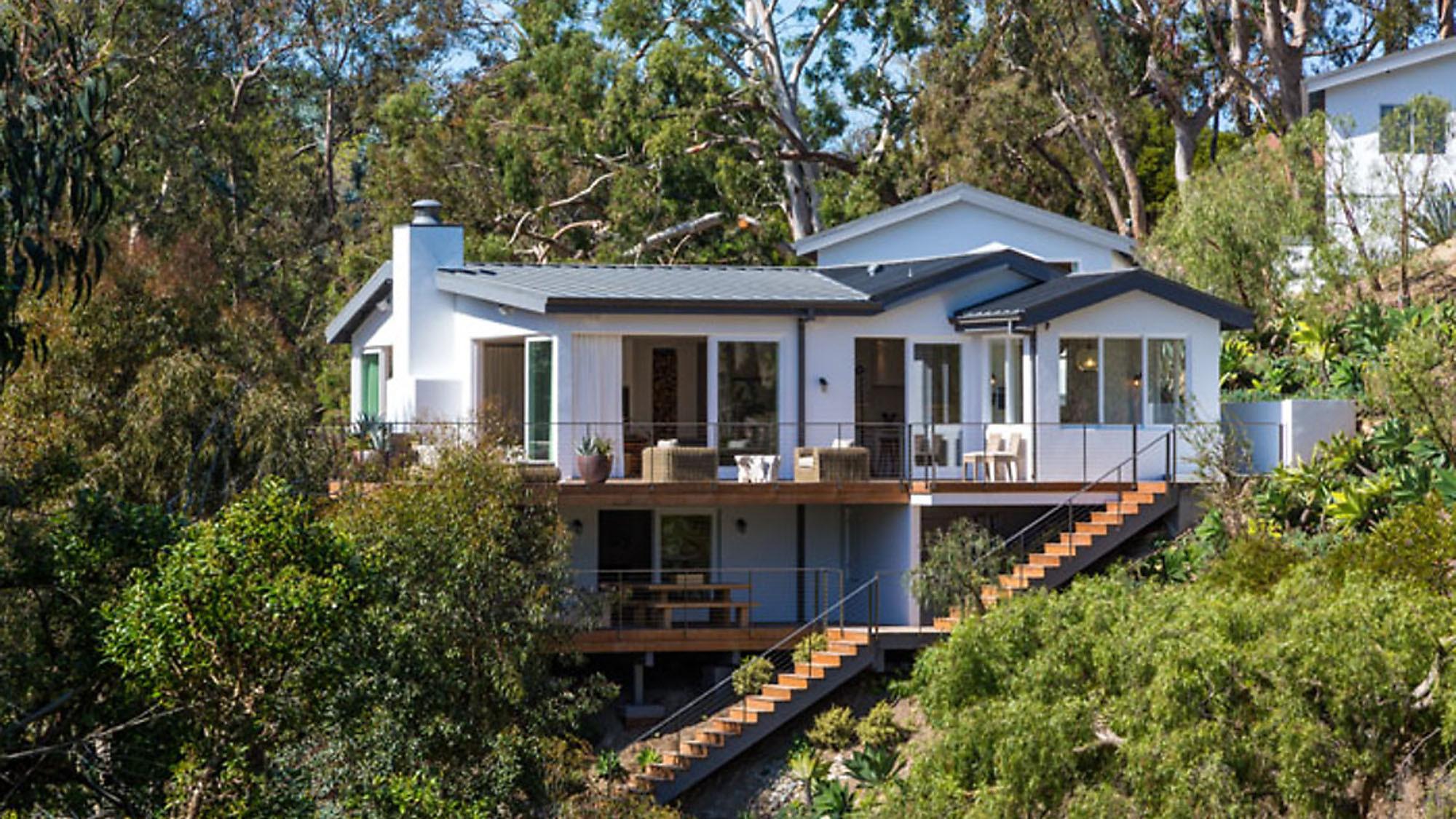 Cindy Crawford Home Supermodel Cindy Crawford Gets Top Dollar For Malibu House La Times
