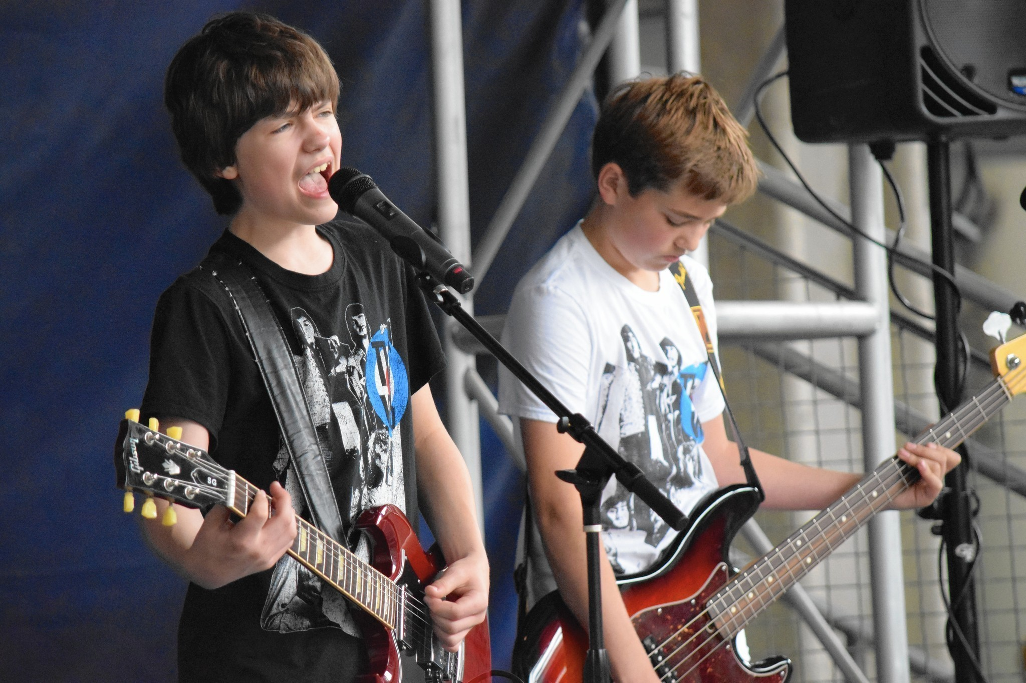 Northbrook teen band plays Sol r Field to support Autism Speaks
