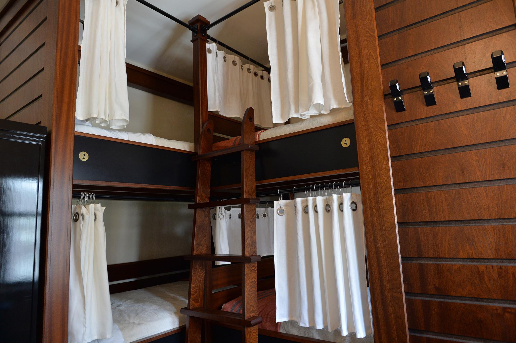 freehand chicago opens hostel style hotel chicago tribune. Black Bedroom Furniture Sets. Home Design Ideas