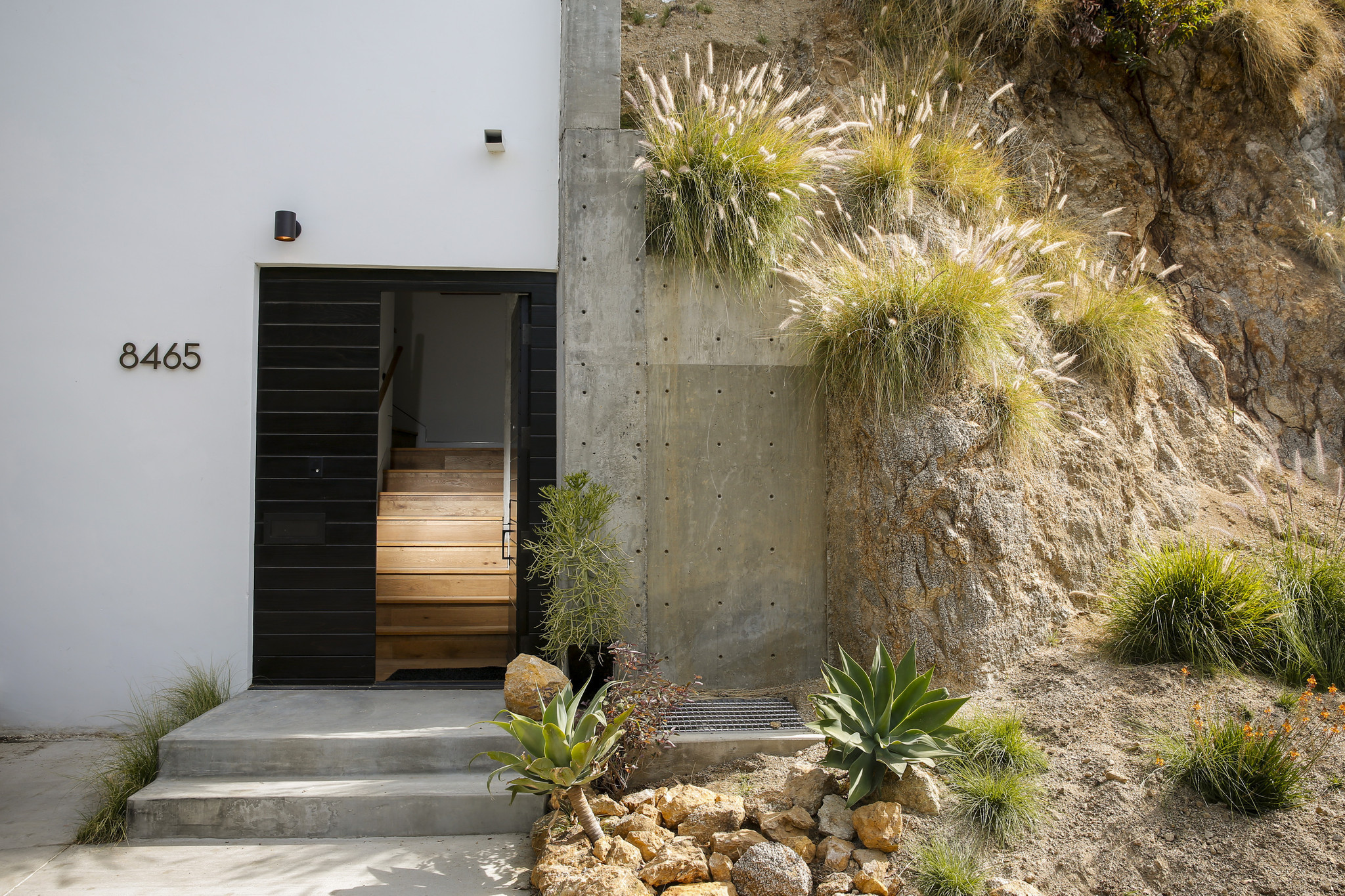 solutions to a home building challenge in the hollywood hills la