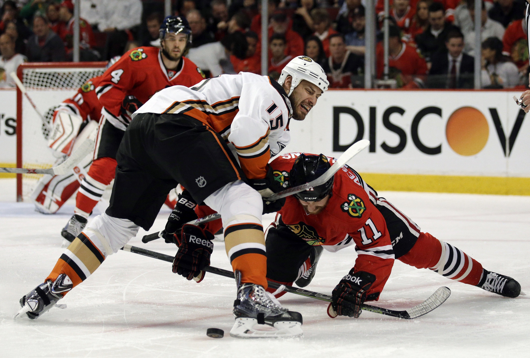 Ducks' Ryan Getzlaf is happy to share (the puck) with others