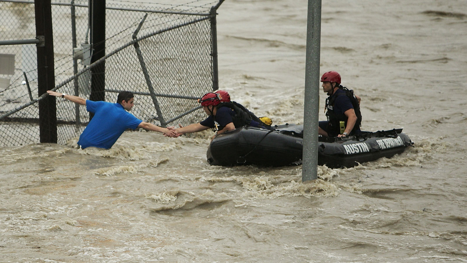 South Carolina still on edge from flooding; 2 people missing - General ...