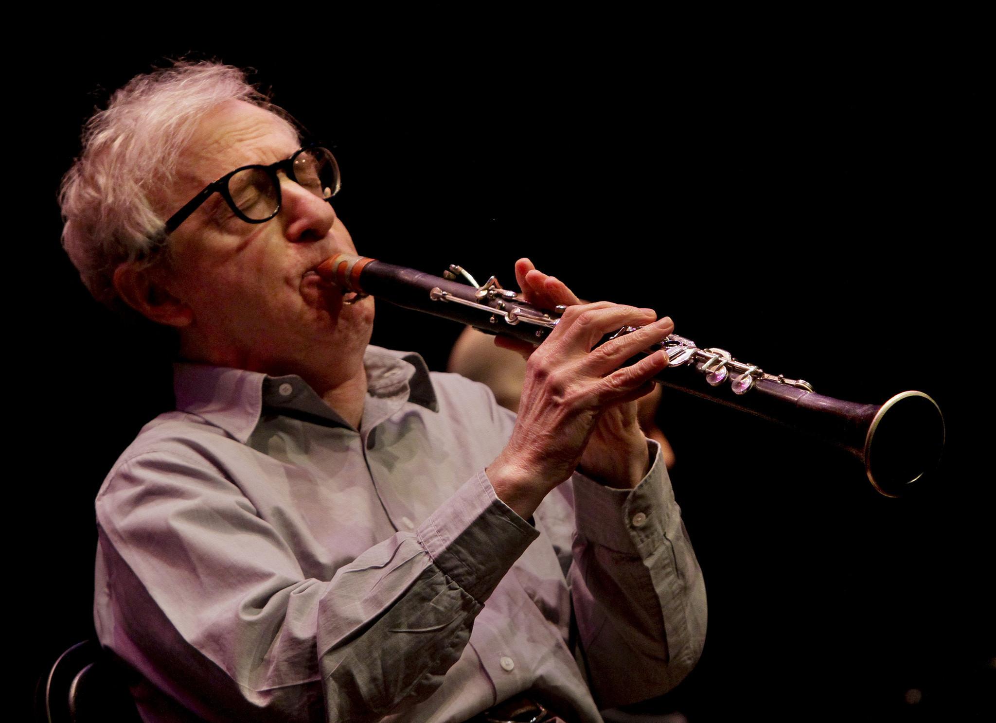 Woody Allen bringing j...