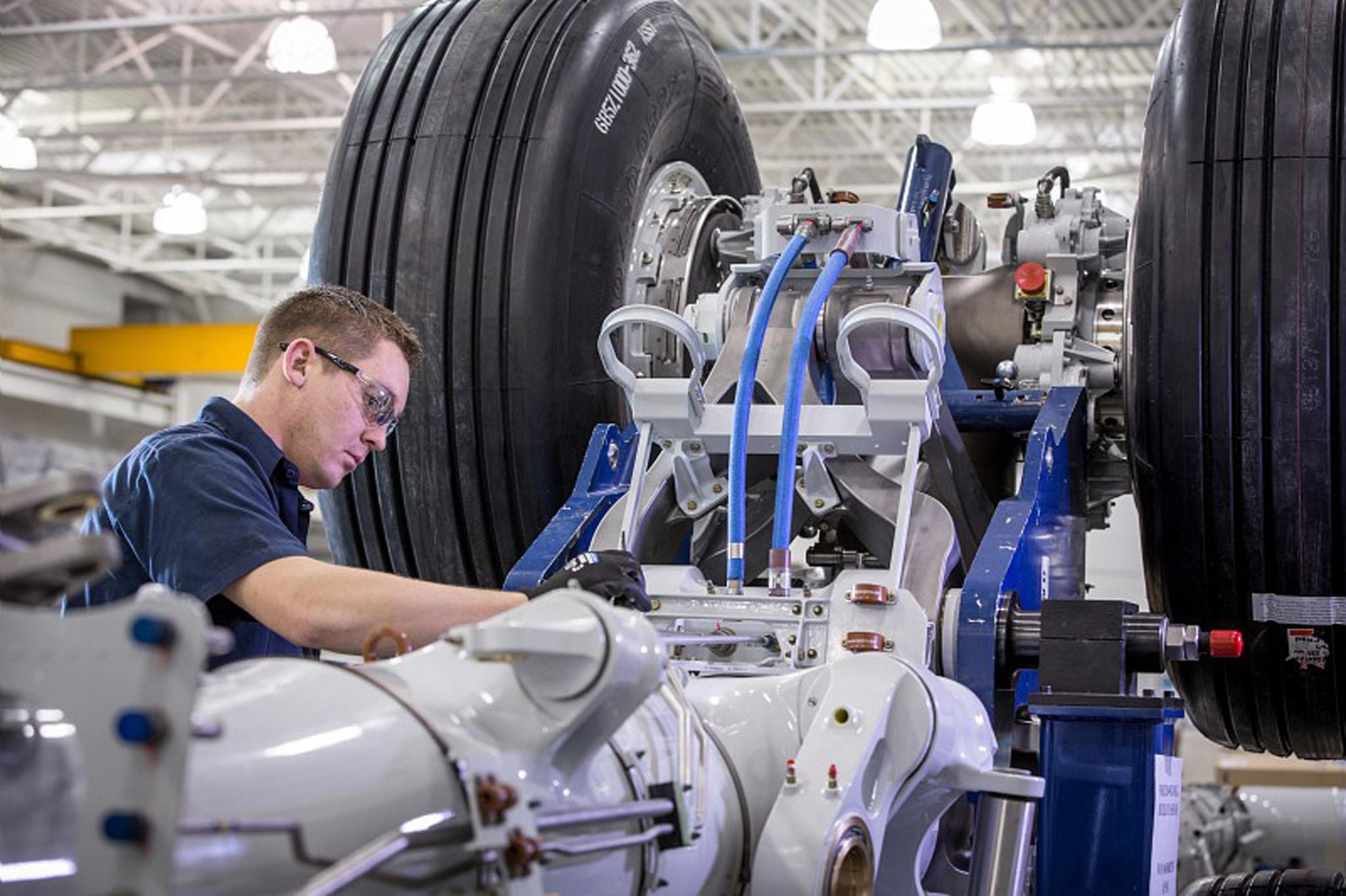 http://www.trbimg.com/img-5564c222/turbine/mc-safran-opens-lehigh-valley-facility-20150526