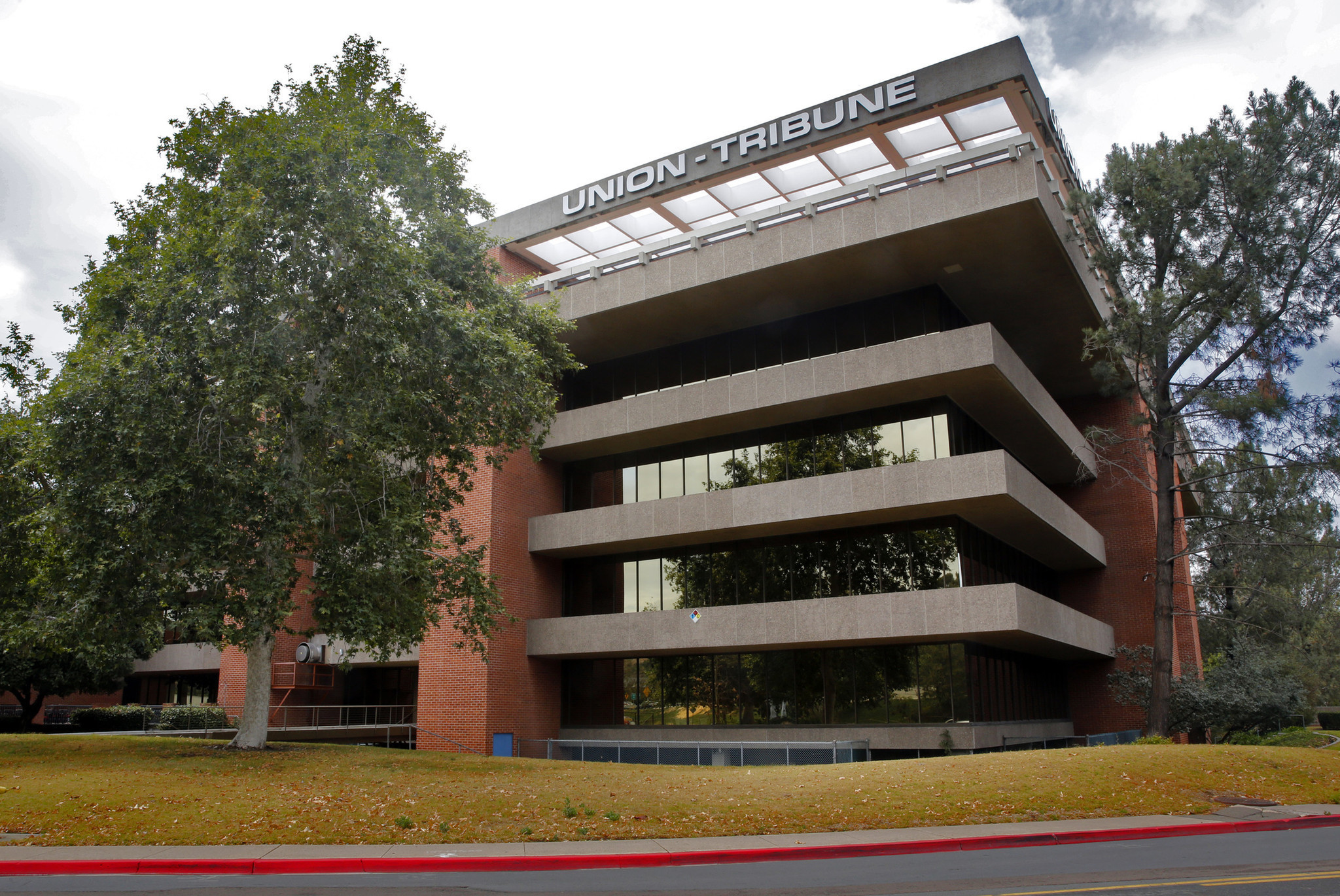 San Diego Union-Tribune lays off 178, mostly in printing, delivery