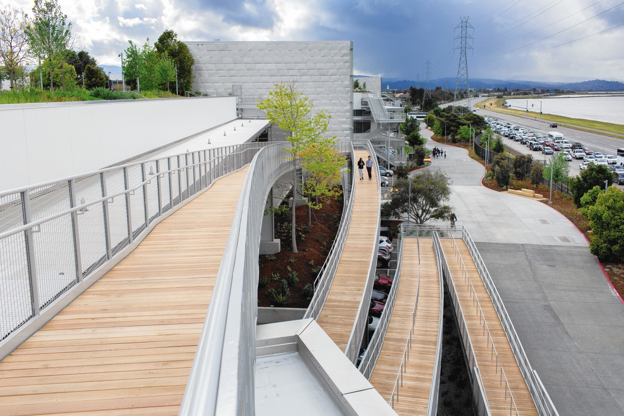 A low-key Facebook building? In Gehry's hands, Zuckerberg has it both ways