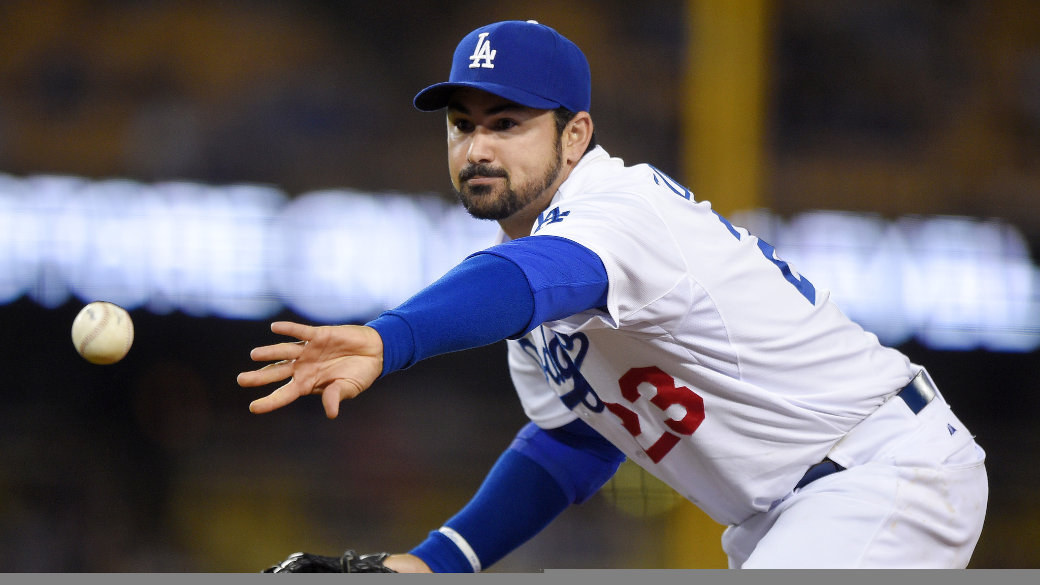 Adrian Gonzalez only Dodger to lead early All-Star voting