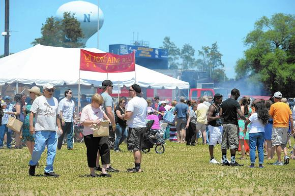 the annual annapolis arts crafts and wine festival will be held june