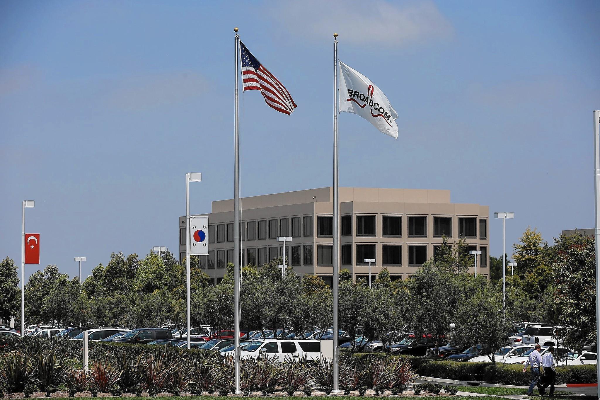 Avago to buy Broadcom in $37-billion deal