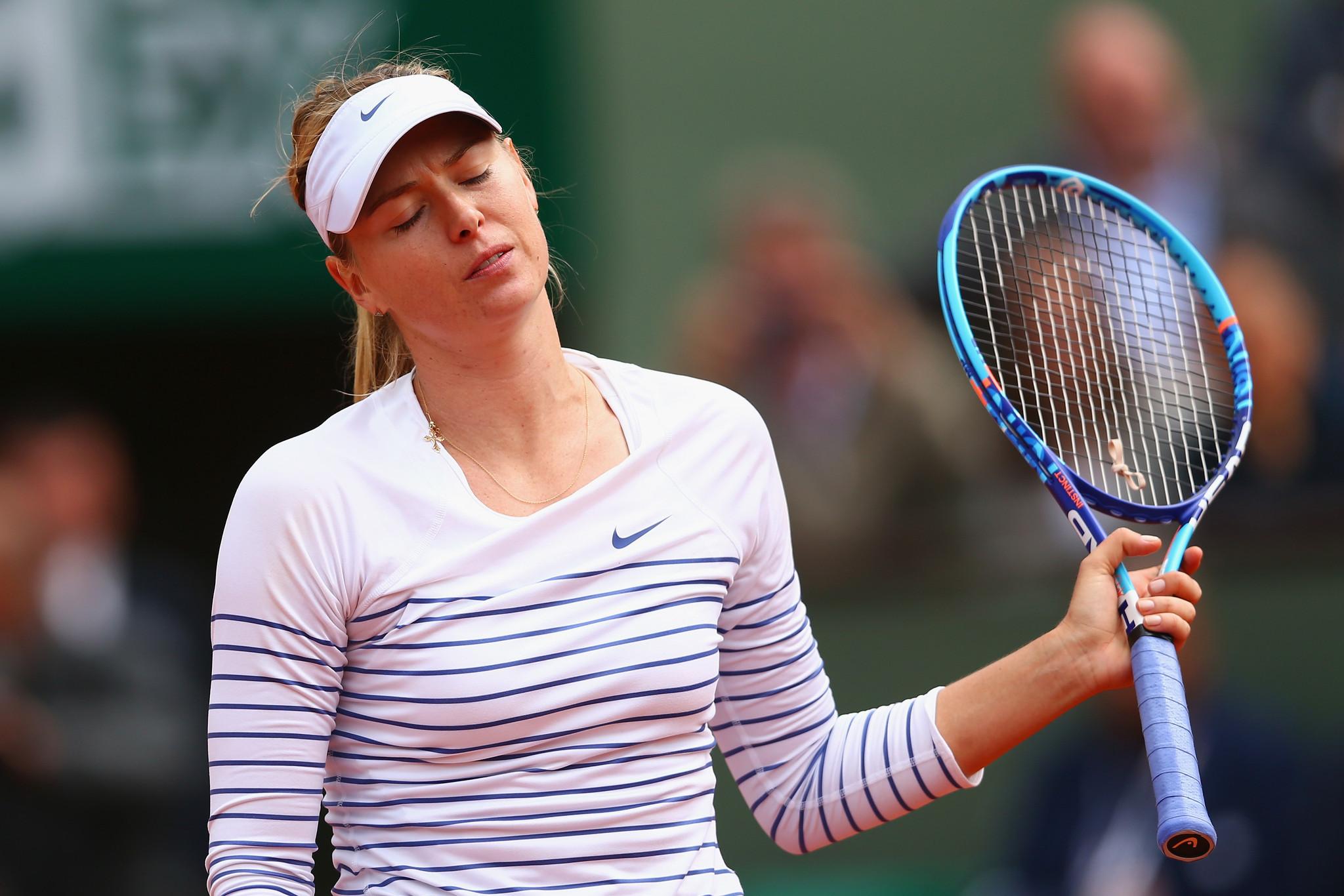 Maria Sharapova falls to Lucie Safarova at French Open ...