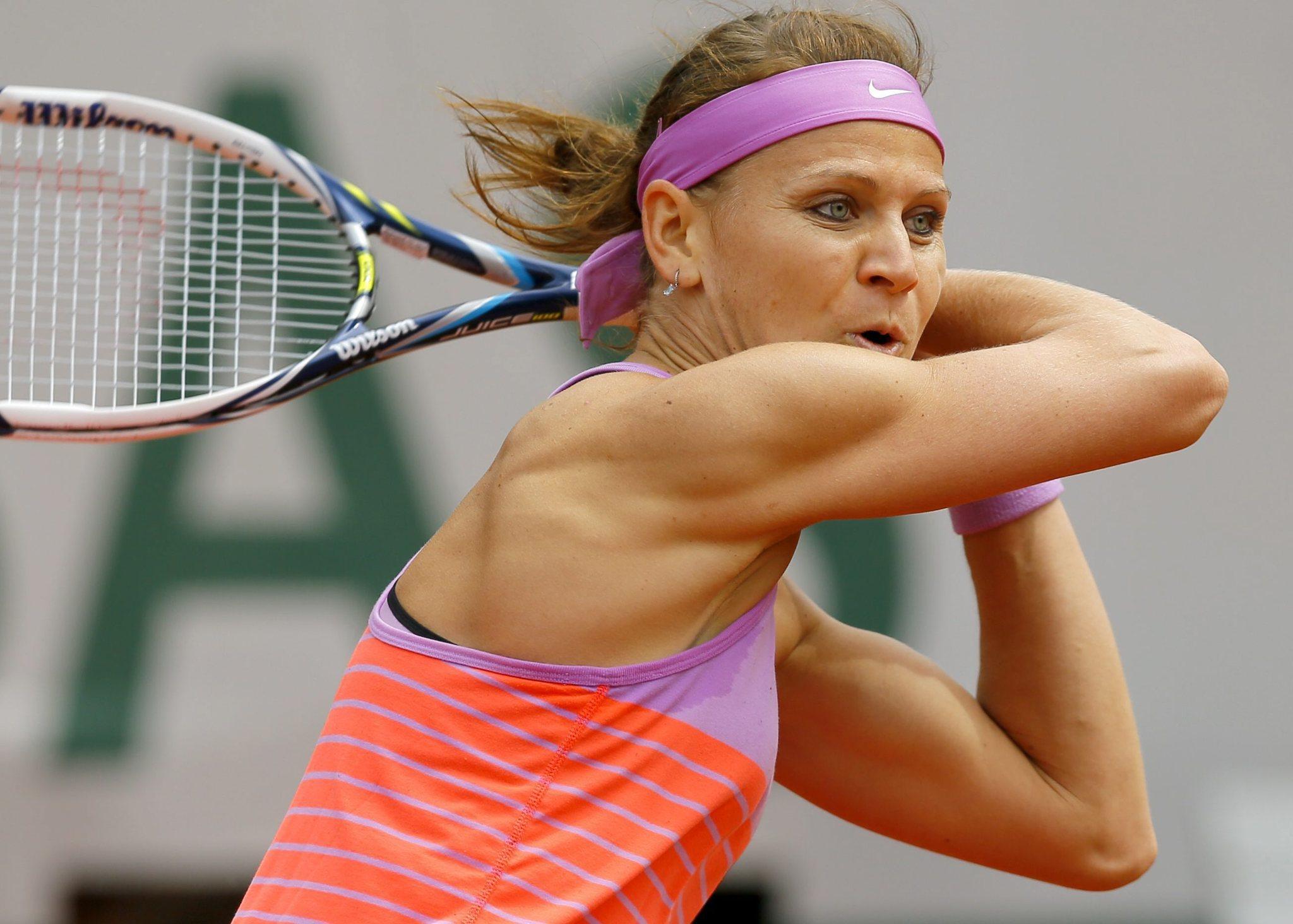 Maria Sharapova upset by Lucie Safarova in French Open ...