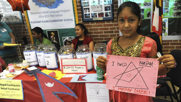 Nepalese students help with earthquake relief