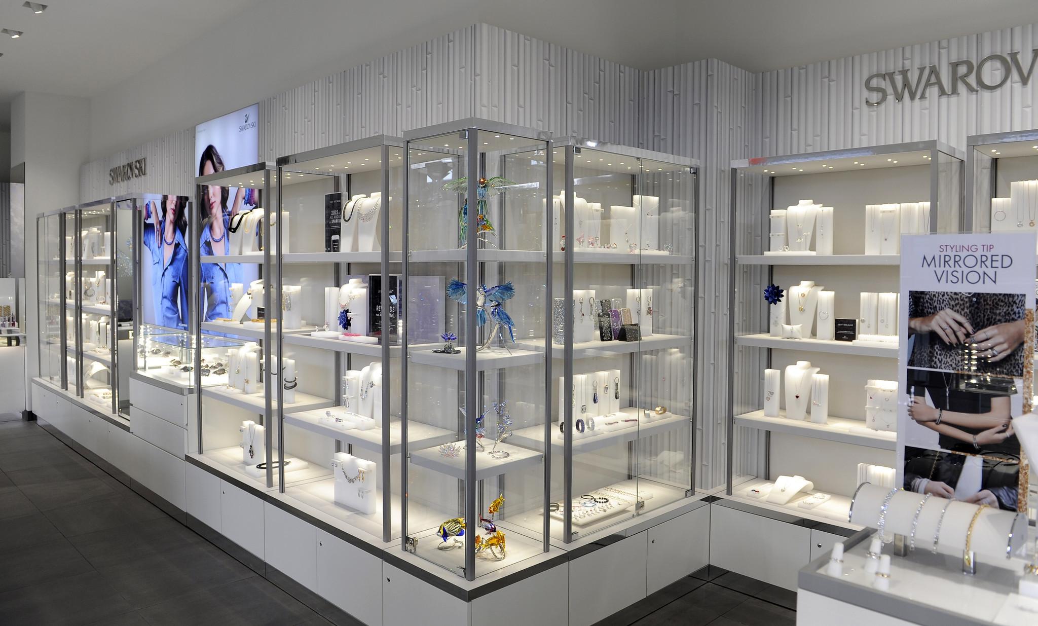columbia malls swarovski gets a glam makeover howard county times - Swarovski Interior Design
