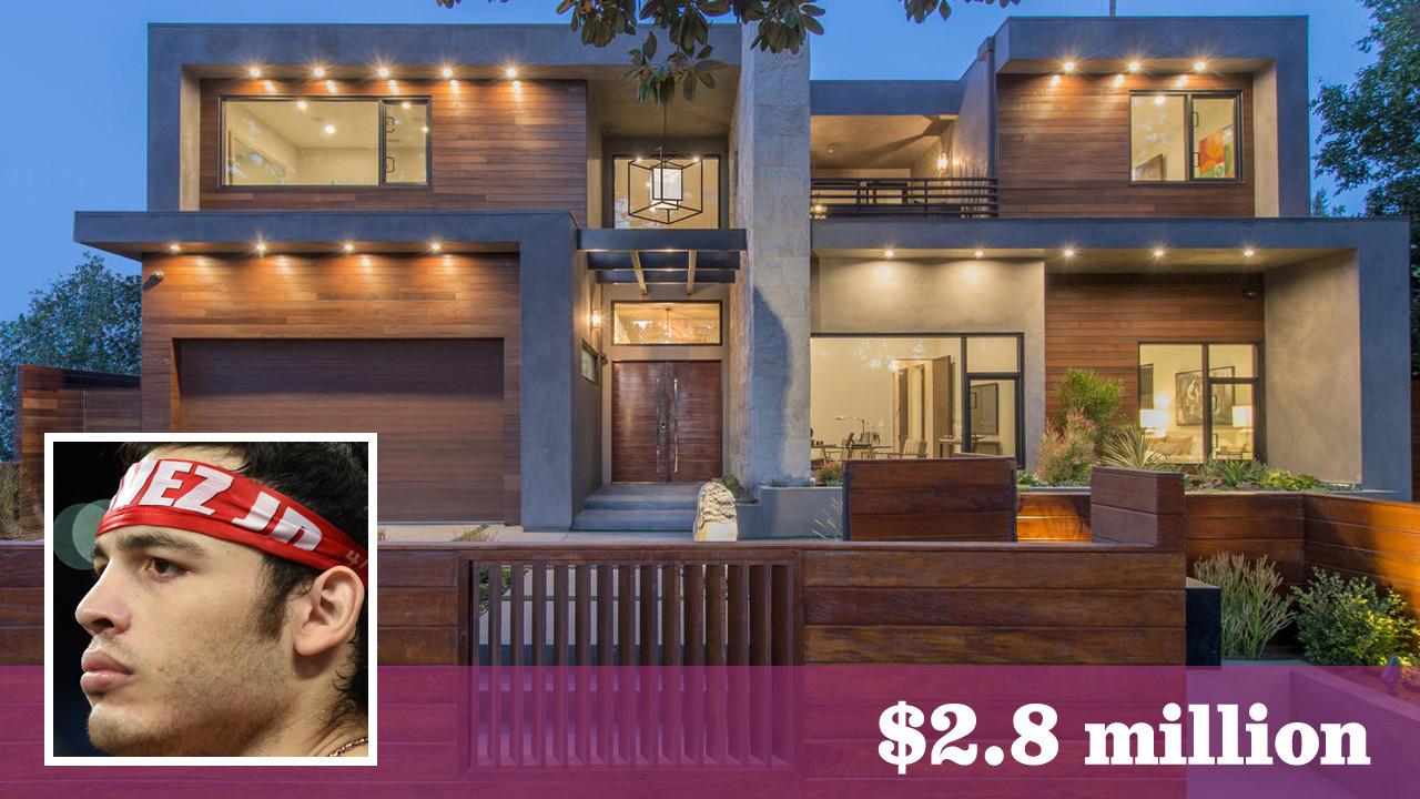 Julio Cesar Chavez Jr Buys A Studio City Showplace For 2