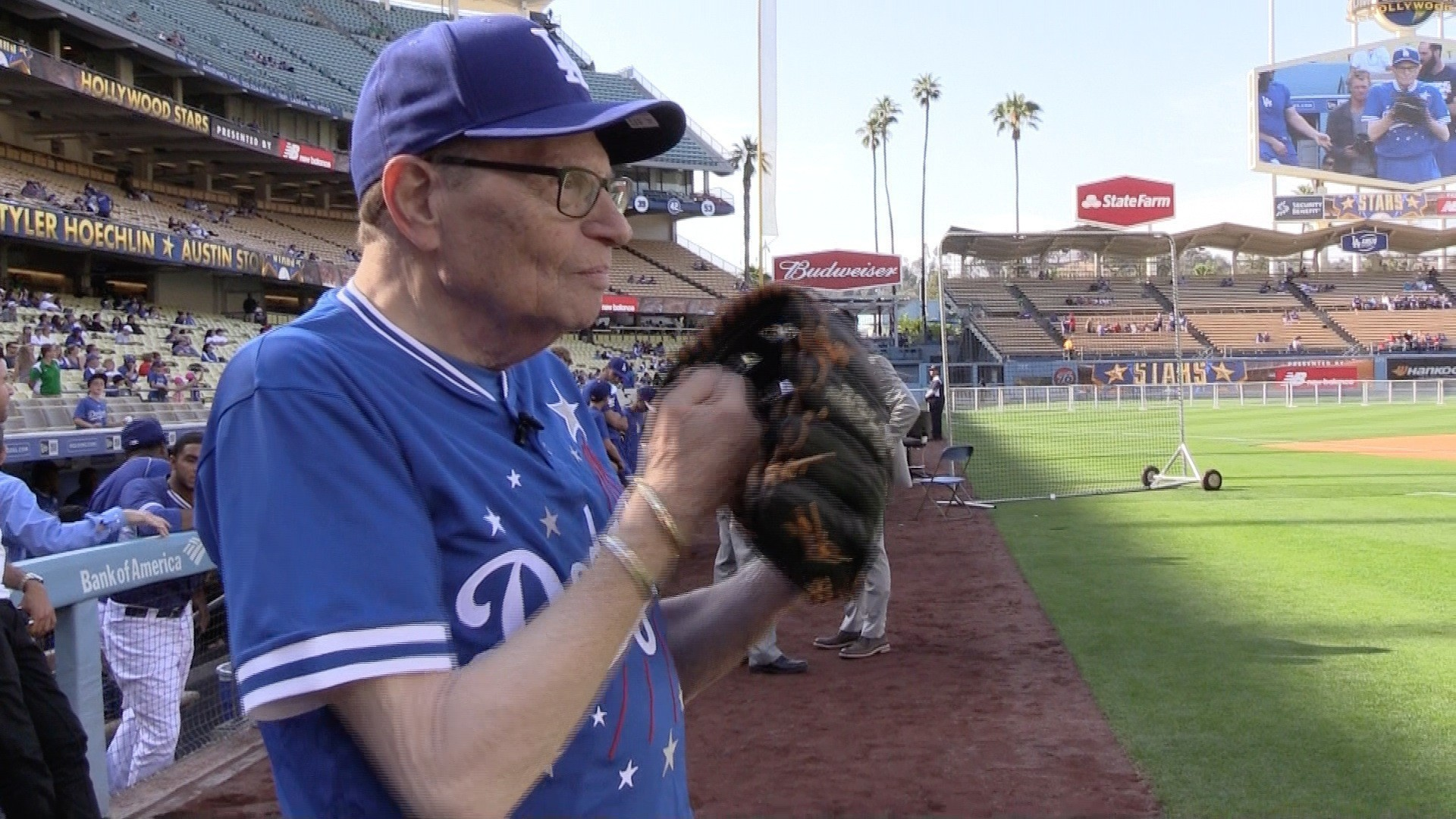 Dodgers host Hollywood Stars celebrity softball game - Los ...