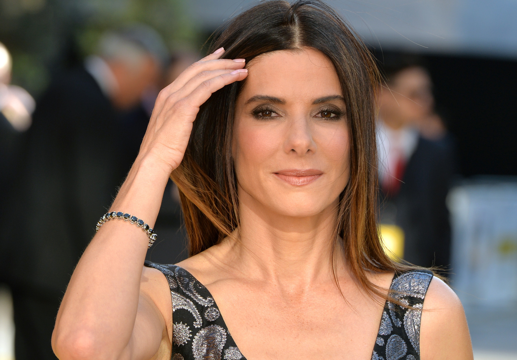 "Sandra Bullock wears mini-Dress to ""Minions"" premiere - Chicago ... Sandra Bullock"