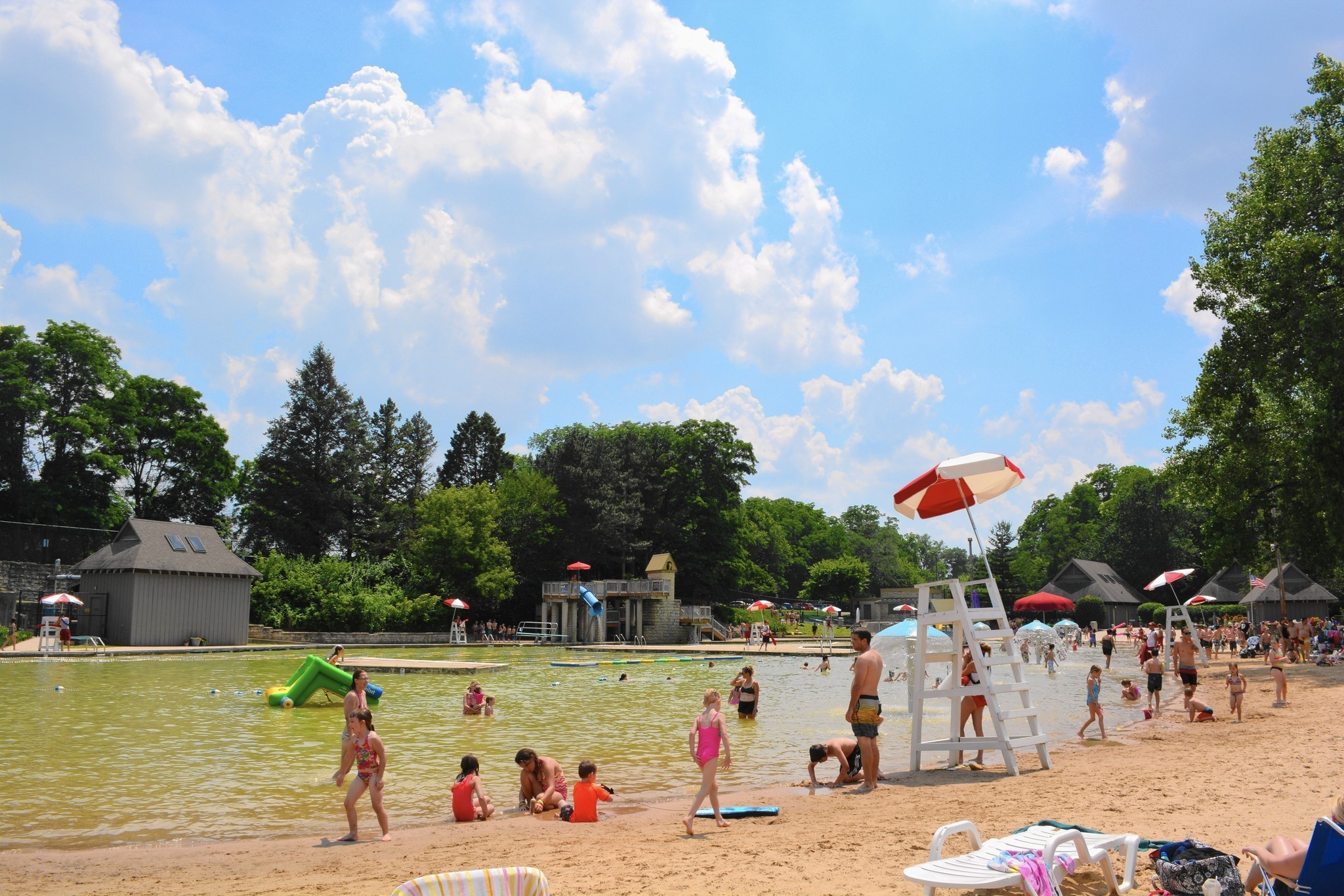 Park District Credits Lifeguards With Rescuing 8 Year Old From Pool Chicago Tribune