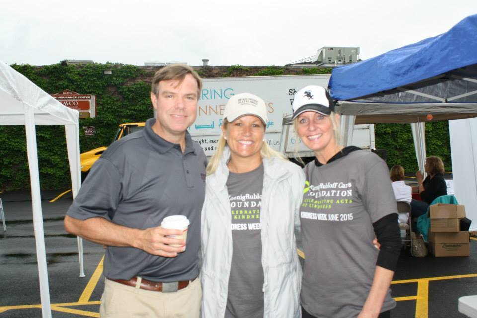 Hinsdale Office Of Berkshire Hathaway Homeservices Koenigrubloff Realty Holds Volunteer Events