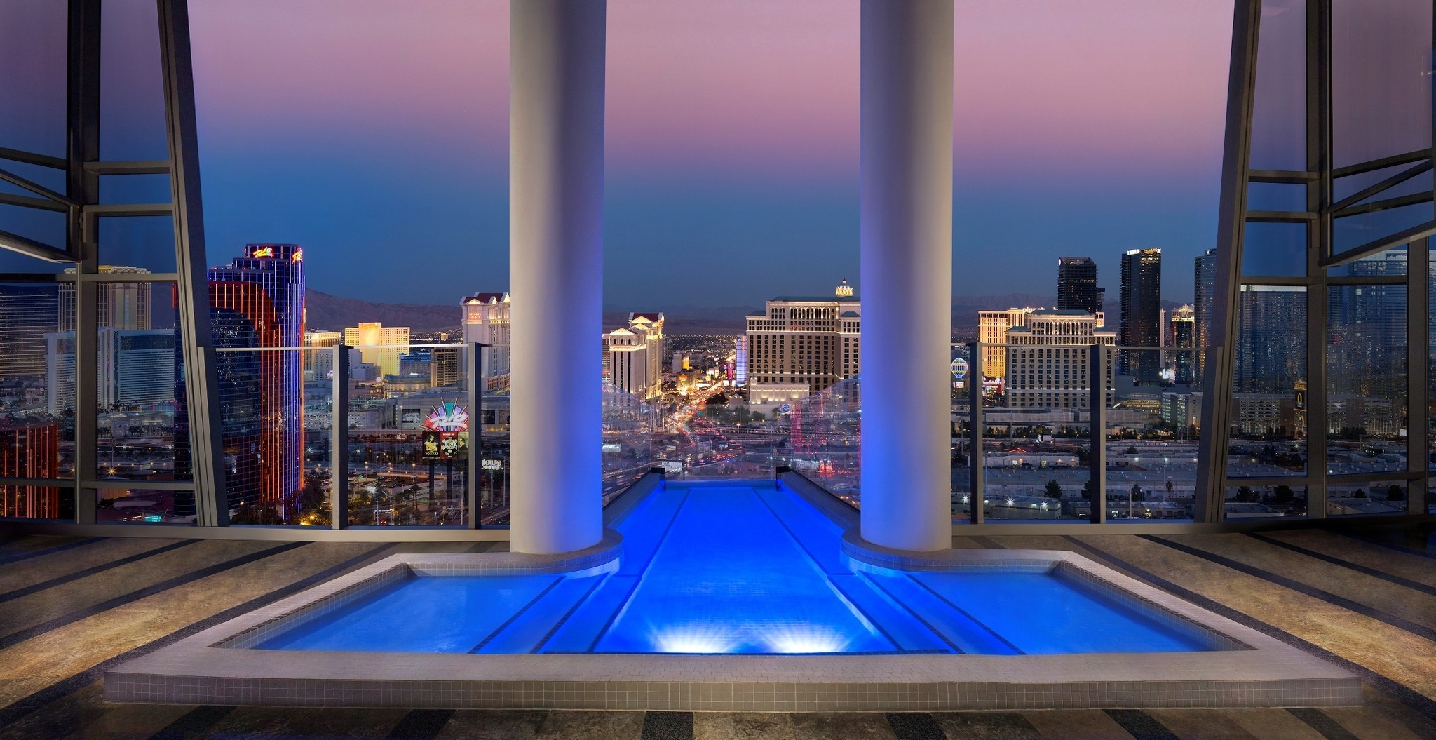 Big spenders can drop 20k on the palms 39 top of the world for Great hotels of the world