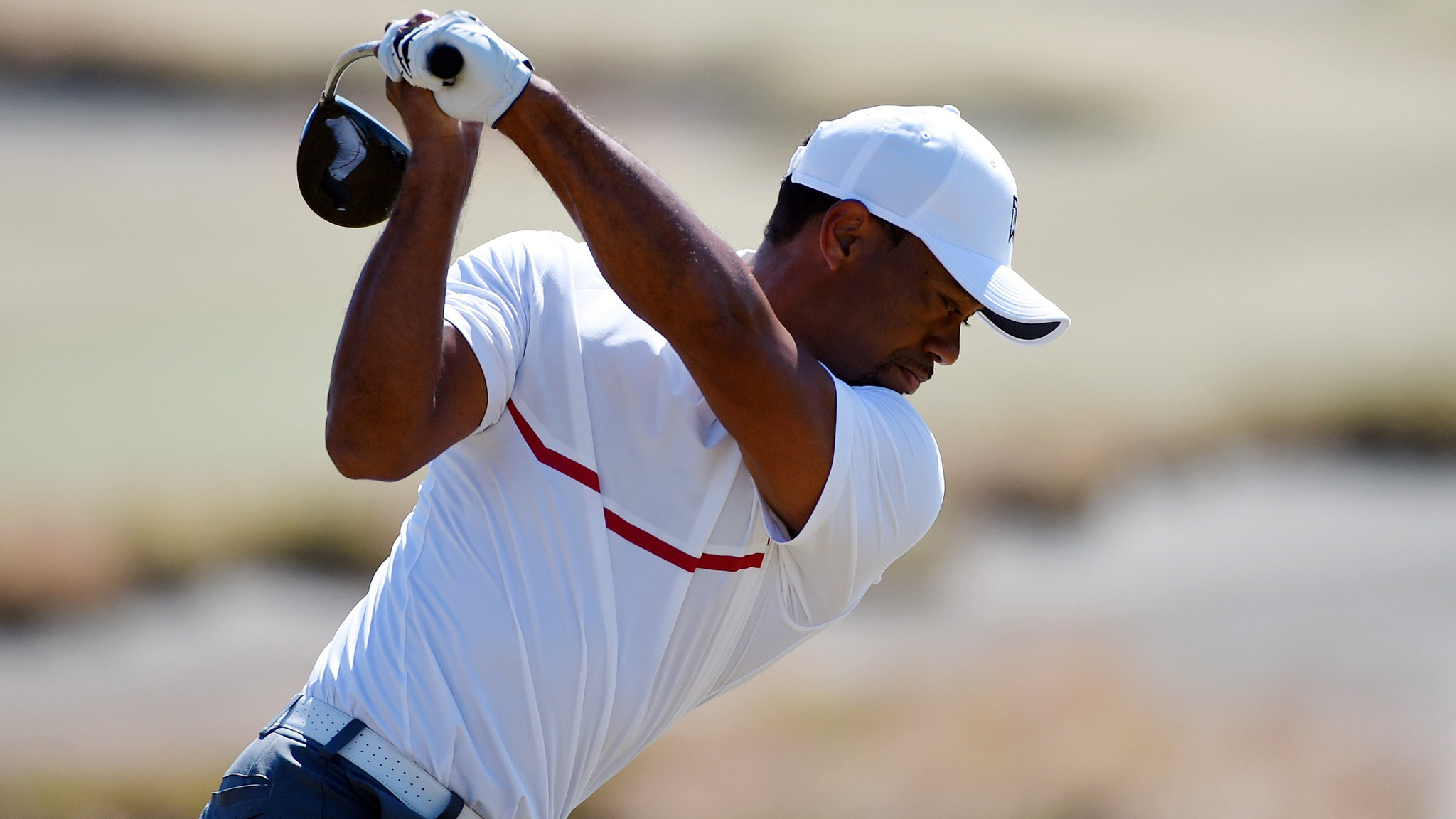 tiger woods finishes with 76 in second round of u s  open