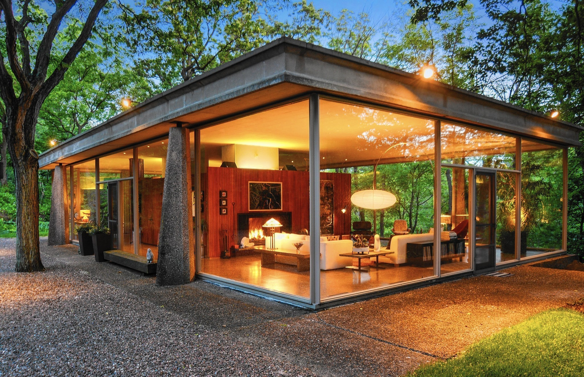 Van der rohe protege designed 39 glass house 39 for sale for Glass home plans