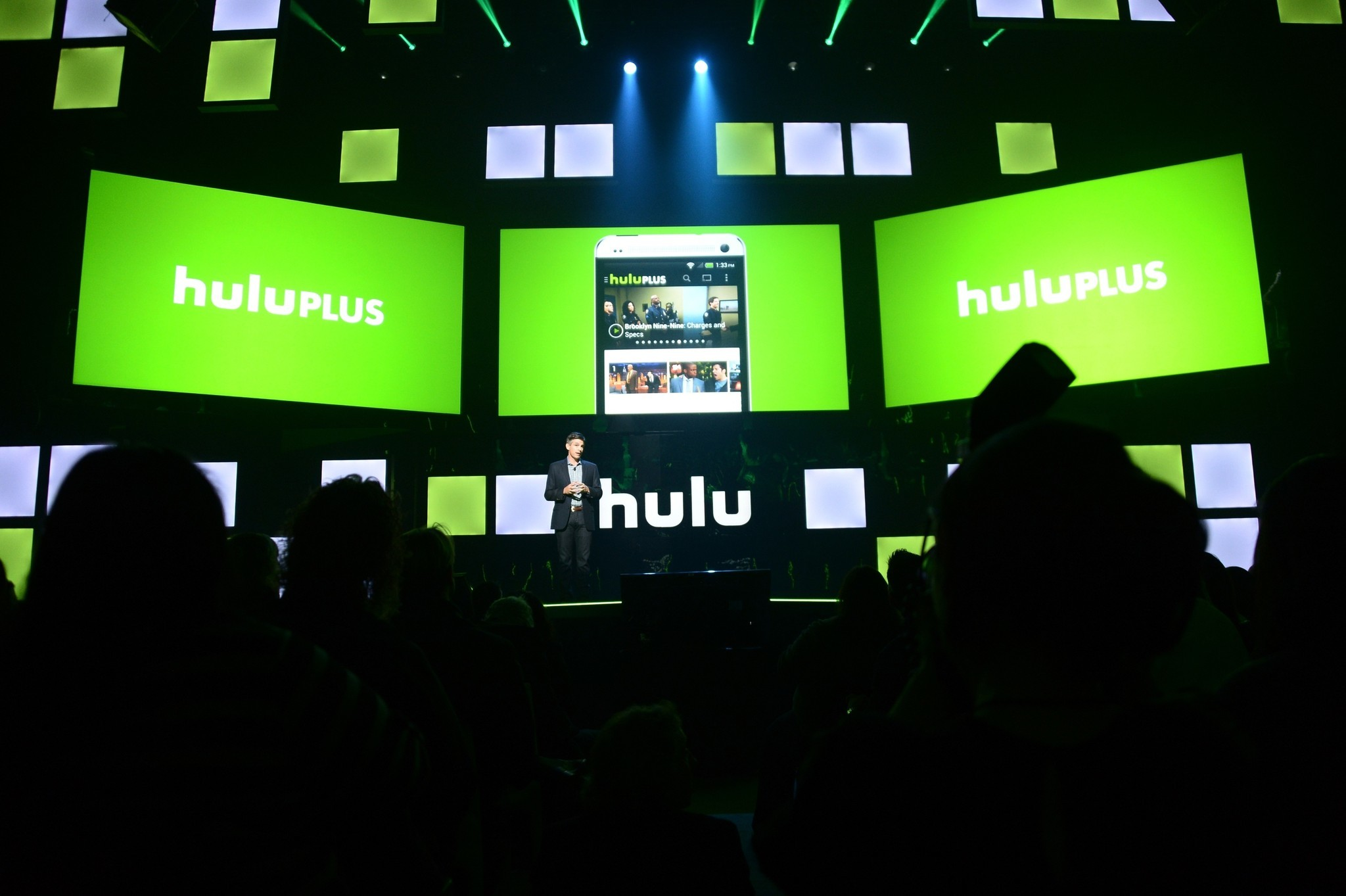 http://www.trbimg.com/img-55899c7b/turbine/la-et-ct-hulu-subscribers-can-soon-access-showtime-content-at-an-additional-cost-20150623