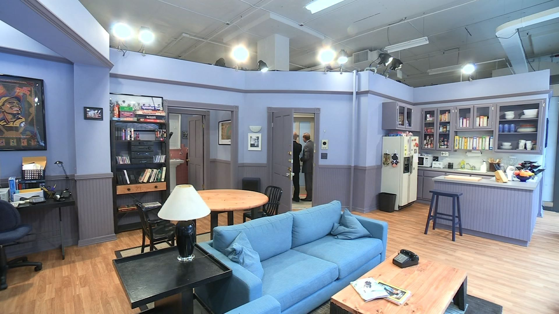 Hulu recreates Seinfeld apartment as it releases episodes ...