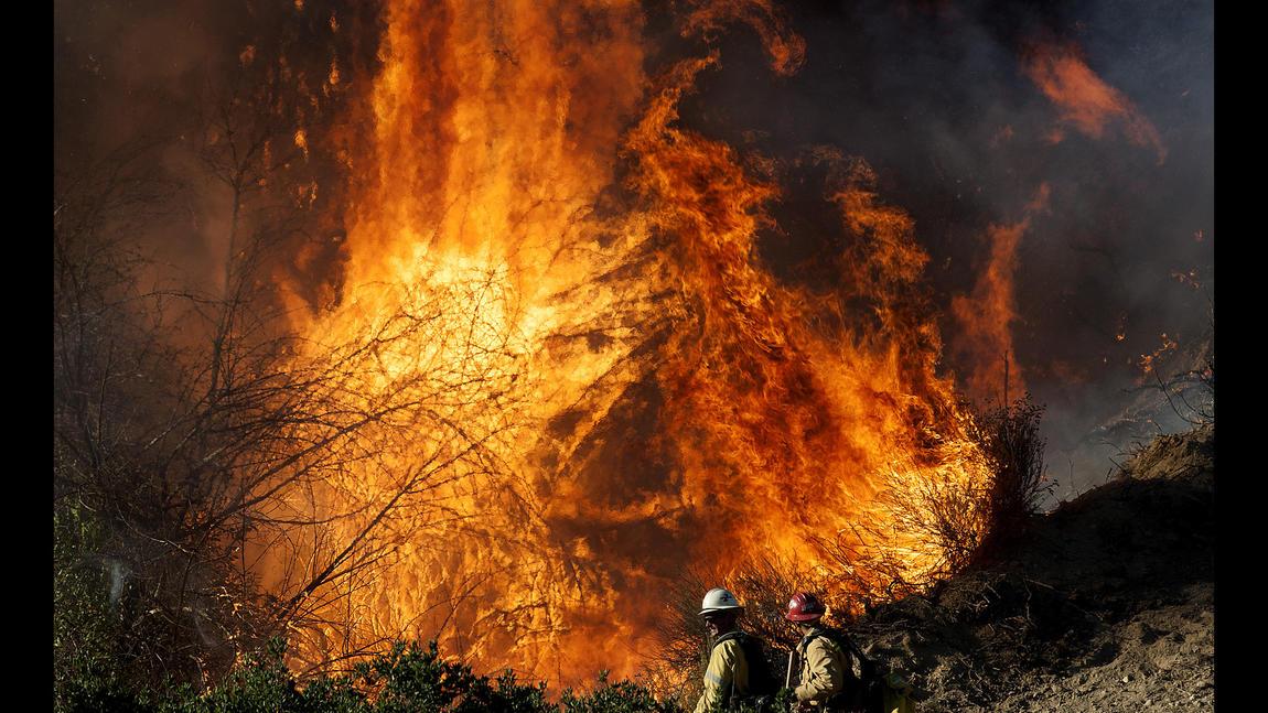 Santa Clarita brush fire