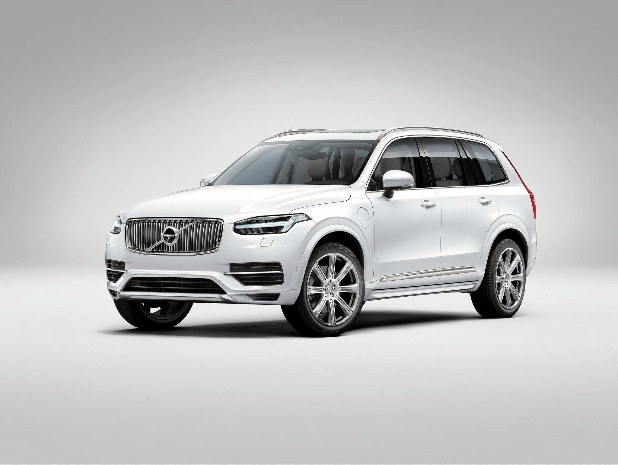 2016 volvo xc90 suv stands out in crowded family class chicago tribune. Black Bedroom Furniture Sets. Home Design Ideas