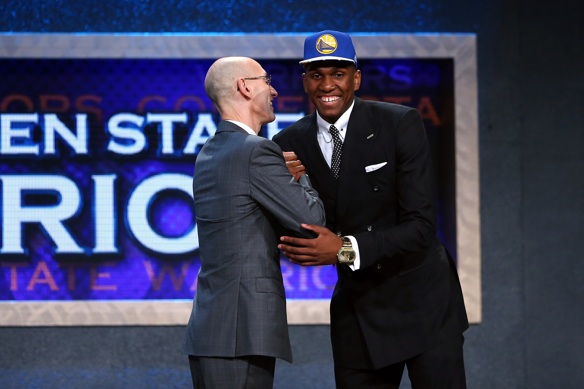 UCLA's Kevon Looney tumbles to Golden State Warriors at ...