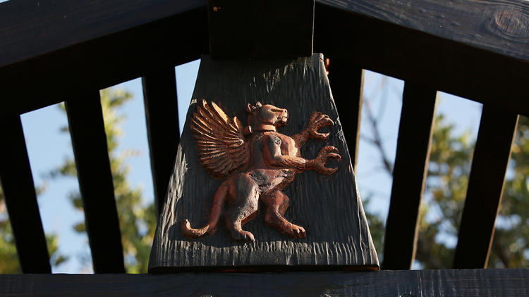 A griffin for Griffith Park